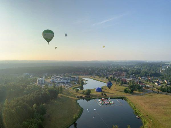 Oro balionai ryte kyla Birštone